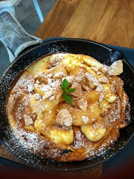 cinimon apple pancake