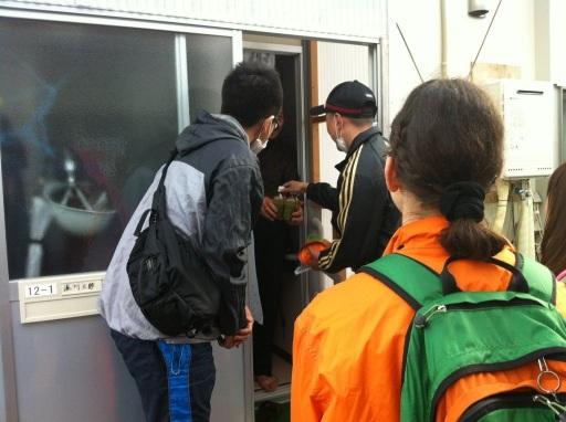 kamaishi - handing out food roxy2