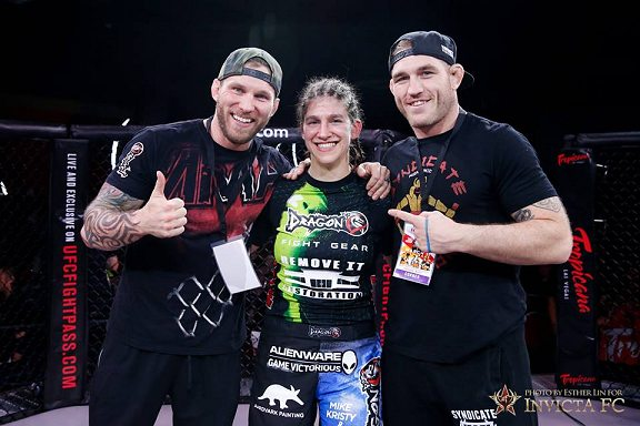roxy and coaches after invicta 16-2