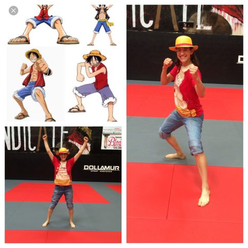 one piece cosplaying luffy